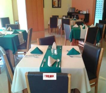 mantel y cubremantel para mesas de bar